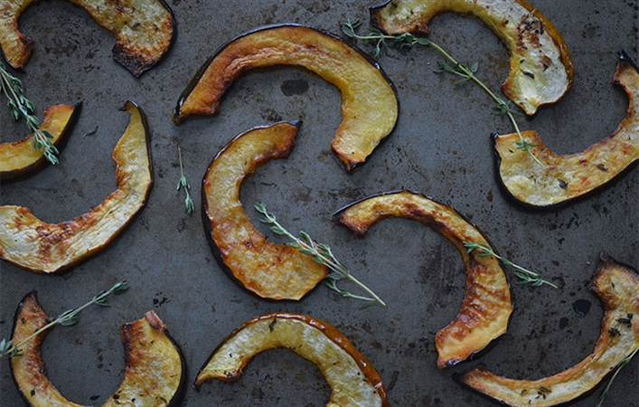 Maple Thyme Acorn Squash Slices