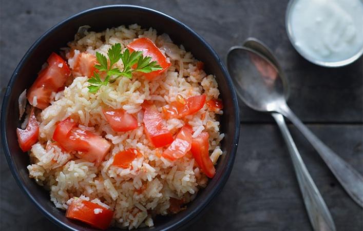 Spanish Rice with Garlic Yogurt
